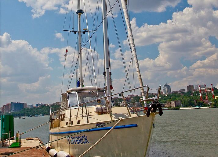 Яхта Maverick в Ростове-на-Дону